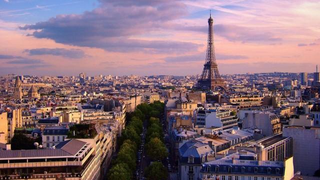 Paris Overview: Photocredit Flickr User Moyan Brenn
