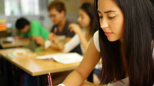 ilsc-brisbane-student-taking-test