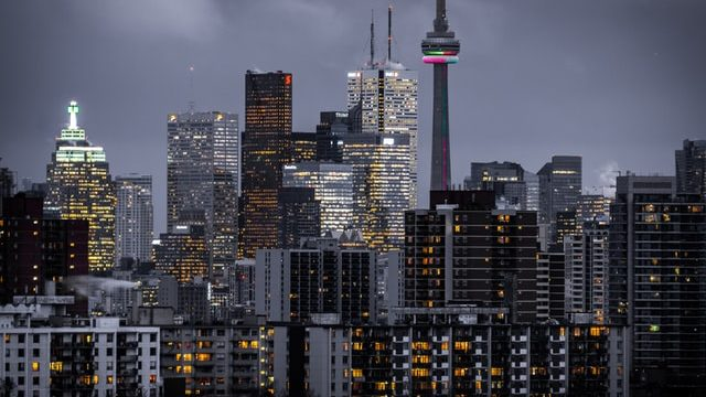 Learn torontonian expressions and study in the 6ix - photo of toronto skyline at night, including CN tower